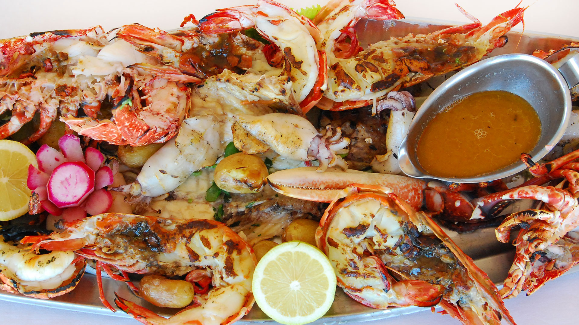 Our special seafood parillada